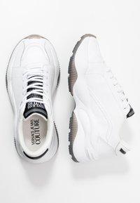 Versace Jeans Couture - Matalavartiset tennarit - bianco ottico - 3