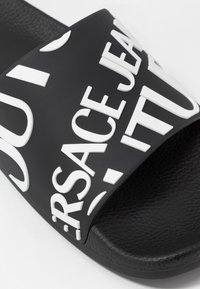 Versace Jeans Couture - Badesandale - black - 6