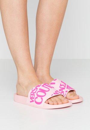 Sandales de bain - pink