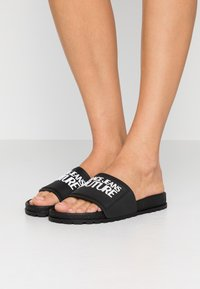 Versace Jeans Couture - Badslippers - nero - 0