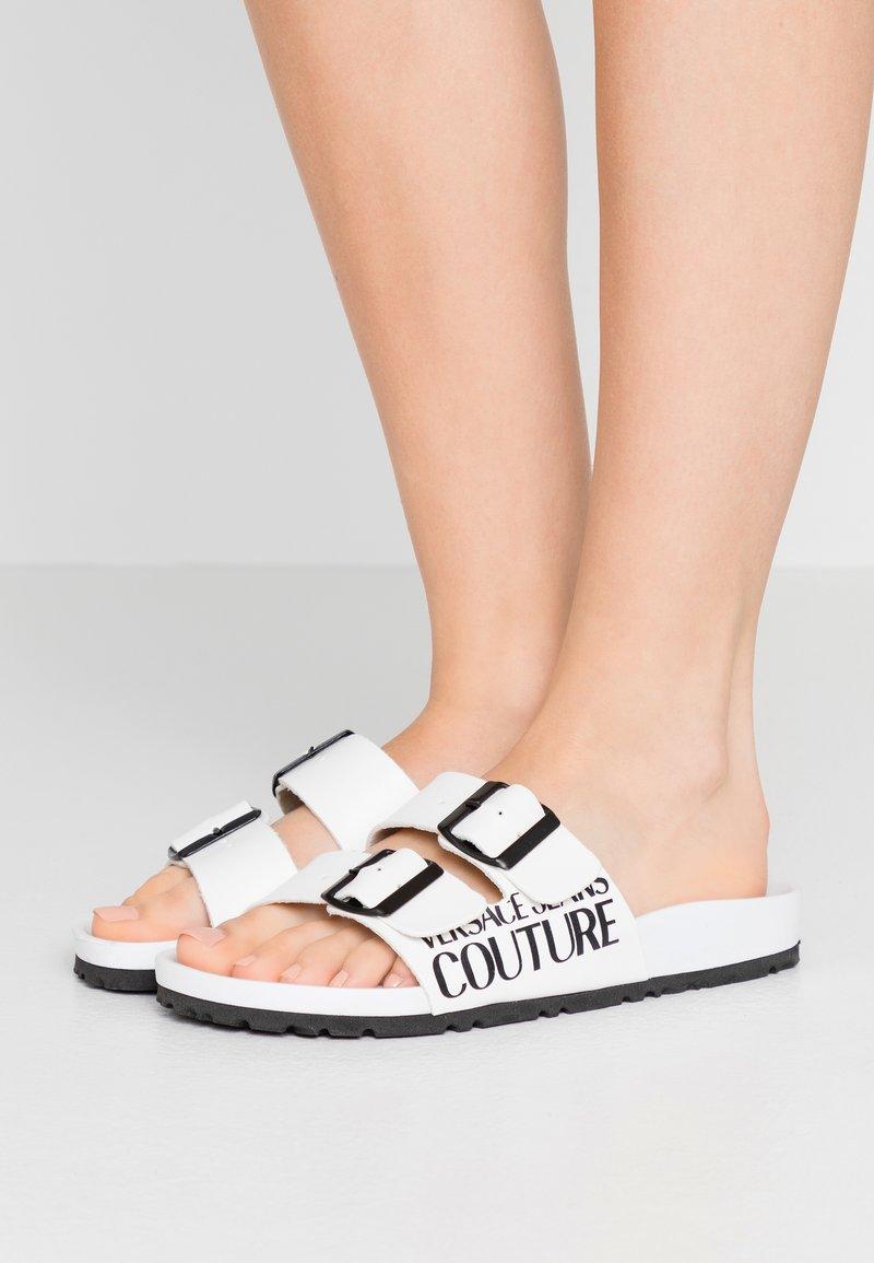 Versace Jeans Couture - Pantofole - bianco ottico