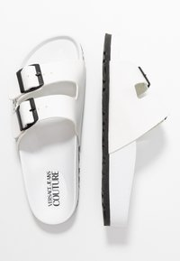 Versace Jeans Couture - Pantofole - bianco ottico - 3