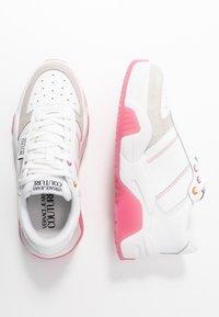 Versace Jeans Couture - LINEA FONDO FIRE ONE - Trainers - bianco ottico - 3