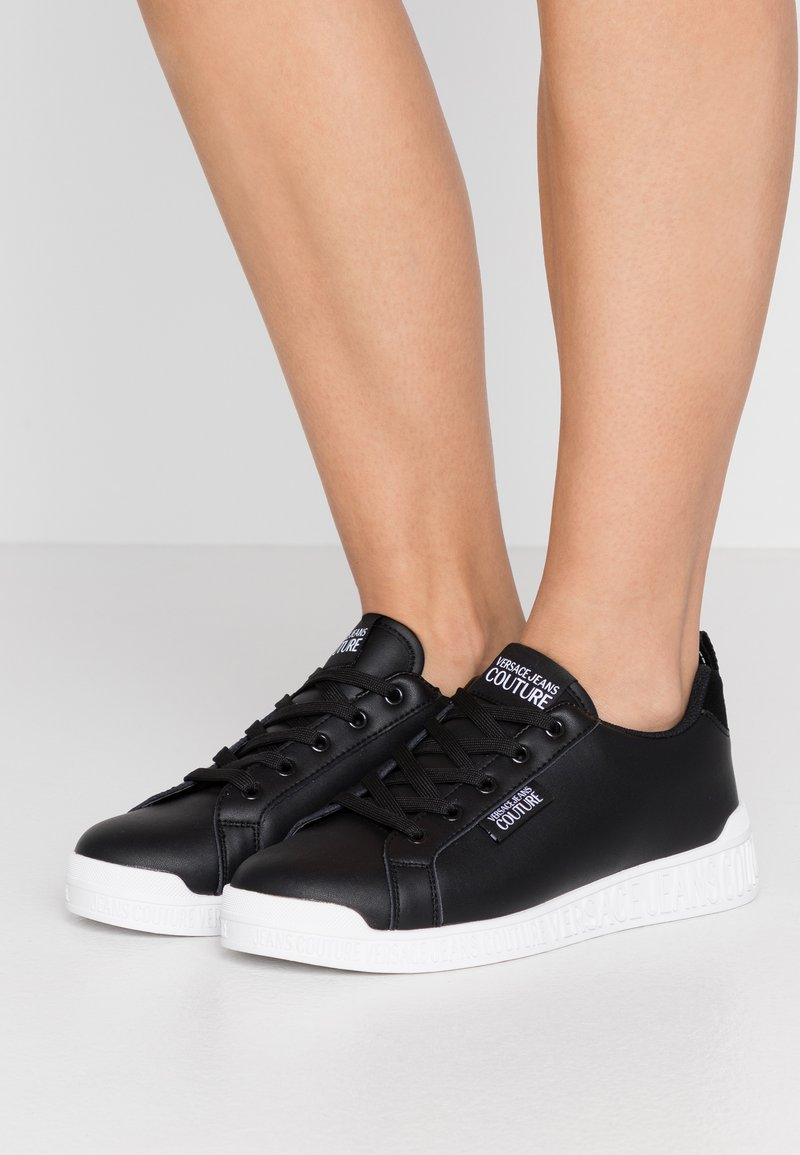 Versace Jeans Couture - LINEA FONDO PENNY - Baskets basses - nero