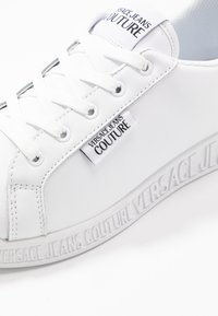 Versace Jeans Couture - LINEA FONDO PENNY - Matalavartiset tennarit - bianco ottico - 2
