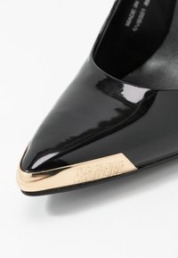 Versace Jeans Couture - Højhælede pumps - nero - 2