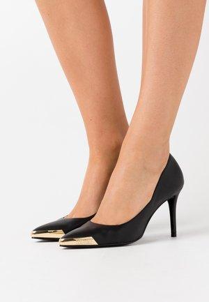 Zapatos altos - nero