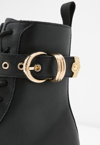 Versace Jeans Couture - Veterboots - nero - 2