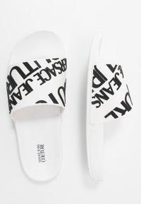 Versace Jeans Couture - Pantolette flach - white - 1