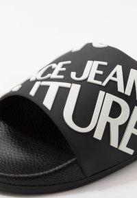 Versace Jeans Couture - Pantofle - black - 5