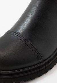 Versace Jeans Couture - Kotníkové boty - black - 5