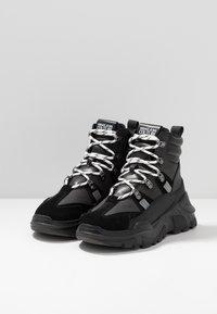 Versace Jeans Couture - LINEA FONDO SPEED  - Sneakers alte - black - 2