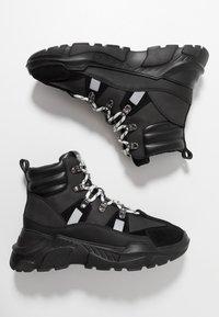 Versace Jeans Couture - LINEA FONDO SPEED  - Sneakers alte - black - 1