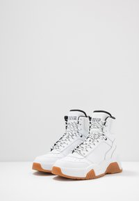 Versace Jeans Couture - High-top trainers - white - 2
