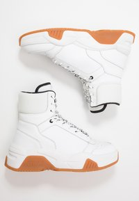 Versace Jeans Couture - High-top trainers - white - 1