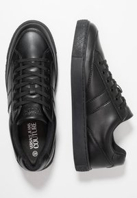 Versace Jeans Couture - FONDO CASSETTA - Sneakers laag - black - 1
