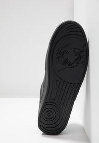 Versace Jeans Couture - FONDO CASSETTA - Tenisky - black - 4