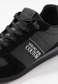 Versace Jeans Couture - LINEA FONDO RUNNING - Sneakers basse - black - 5