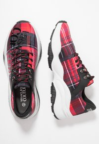 Versace Jeans Couture - LINEA FONDO EXTREME - Sneakers basse - tartan - 1