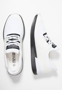 Versace Jeans Couture - LINEA FONDO SUPER - Sneakers laag - white - 1