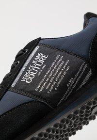 Versace Jeans Couture - LINEA FONDO SPYDER - Trainers - dark blue - 5