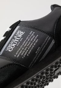 Versace Jeans Couture - LINEA FONDO SPYDER - Sneakersy niskie - black - 2