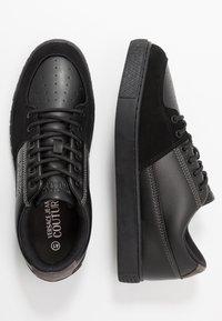 Versace Jeans Couture - FONDO CASSETTA - Sneakers laag - nero - 1