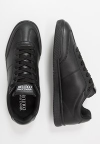 Versace Jeans Couture - Sneaker low - black - 1