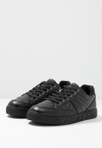 Versace Jeans Couture - FONDO CASSETTA  - Baskets basses - black - 2
