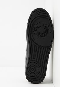 Versace Jeans Couture - FONDO CASSETTA  - Baskets basses - black - 4