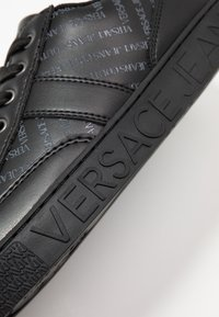 Versace Jeans Couture - FONDO CASSETTA  - Baskets basses - black - 5