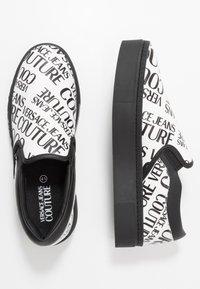 Versace Jeans Couture - Scarpe senza lacci - white - 1