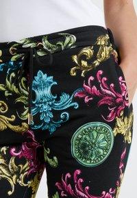 Versace Jeans Couture - Joggebukse - black - 4