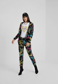 Versace Jeans Couture - Joggebukse - black - 1