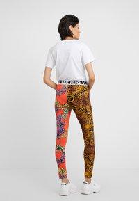 Versace Jeans Couture - Legging - orange - 2