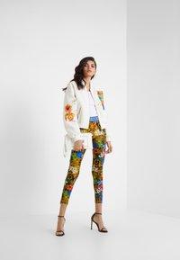 Versace Jeans Couture - LADY FUSEAUX - Leggings - mult scuri - 1