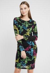 Versace Jeans Couture - Pouzdrové šaty - black - 0