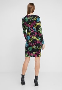 Versace Jeans Couture - Pouzdrové šaty - black - 2