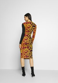 Versace Jeans Couture - LADY DRESS - Etui-jurk - racing red - 2