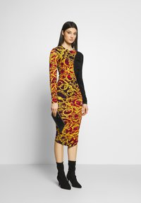 Versace Jeans Couture - LADY DRESS - Etui-jurk - racing red - 1
