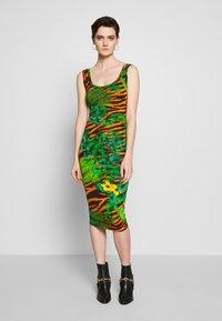 Versace Jeans Couture - Žerzejové šaty - mult scuri - 0
