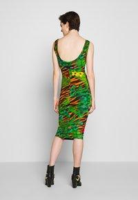 Versace Jeans Couture - Žerzejové šaty - mult scuri - 2