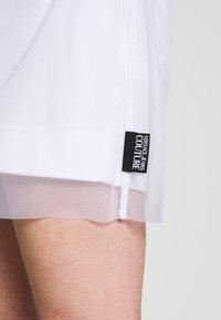 Versace Jeans Couture - Denní šaty - white - 5