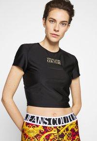 Versace Jeans Couture - LADY  - Triko spotiskem - nero - 3