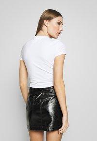 Versace Jeans Couture - LADY  - T-shirt imprimé - white/pink - 2