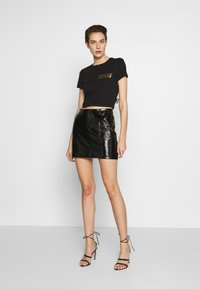 Versace Jeans Couture - LADY - Print T-shirt - nero - 1