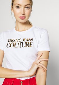 Versace Jeans Couture - LADY - Print T-shirt - white gold - 5