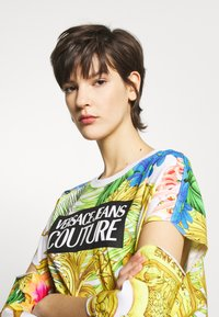 Versace Jeans Couture - LADY - T-shirt print - bianco ottico - 4