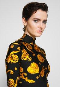 Versace Jeans Couture - Langærmede T-shirts - black - 3