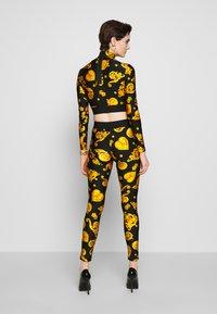 Versace Jeans Couture - Langærmede T-shirts - black - 2